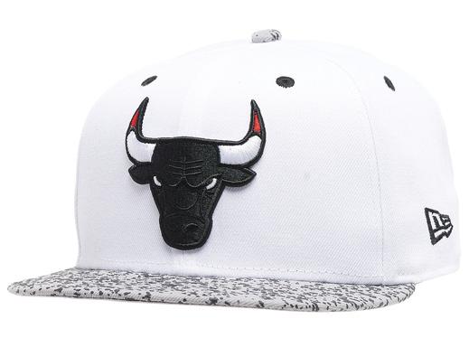 air-jordan-4-white-oreo-bulls-hat-1