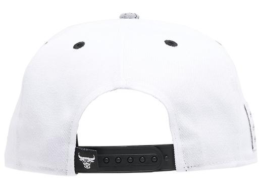 air-jordan-4-white-oreo-bulls-hat-6