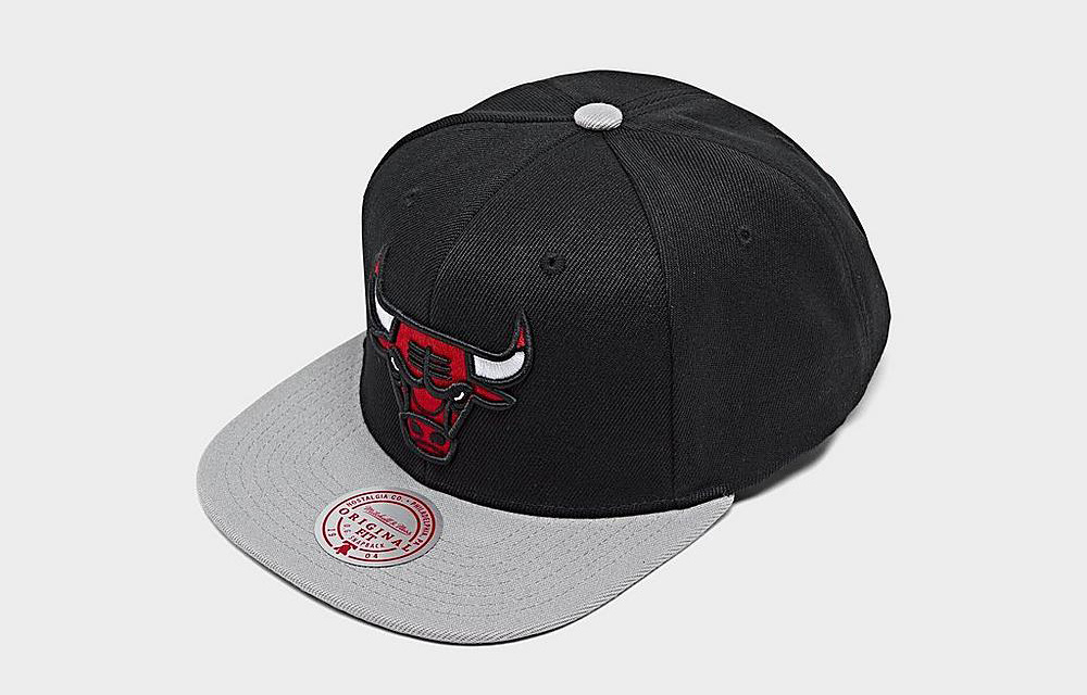 chicago-bulls-mitchell-ness-basic-snapback-hat-black-grey-1