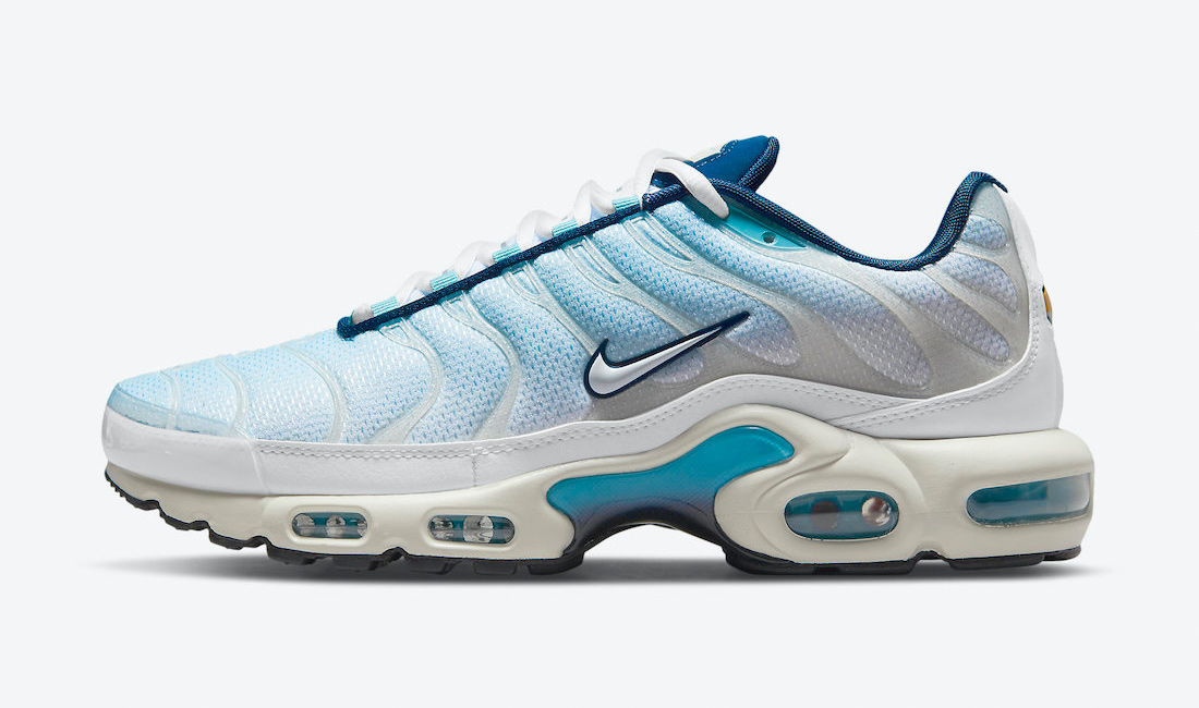 nike-air-max-plus-psychic-blue-sneaker-clothing-match