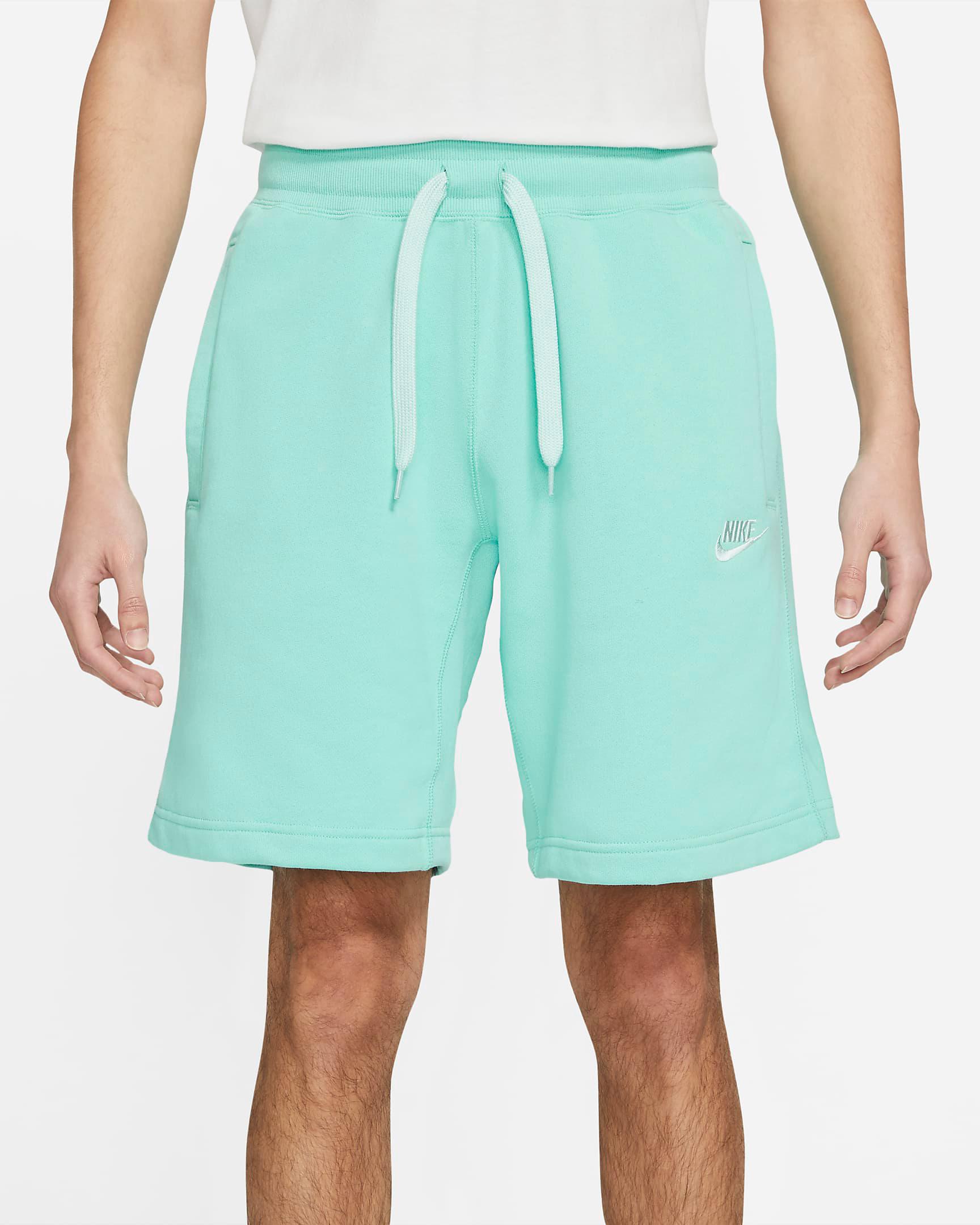 nike-light-dew-classic-fleece-shorts