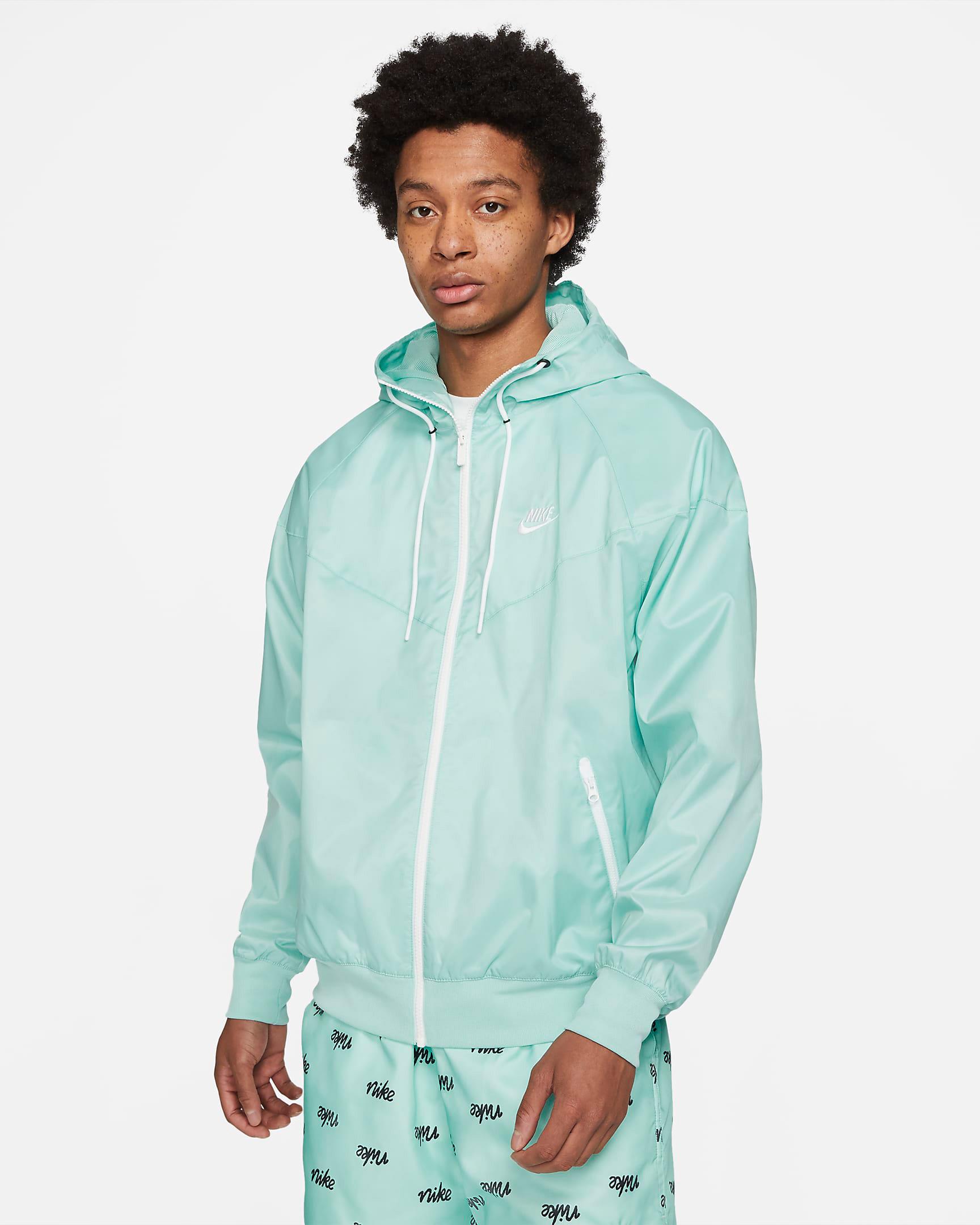 nike-light-dew-windrunner-jacket