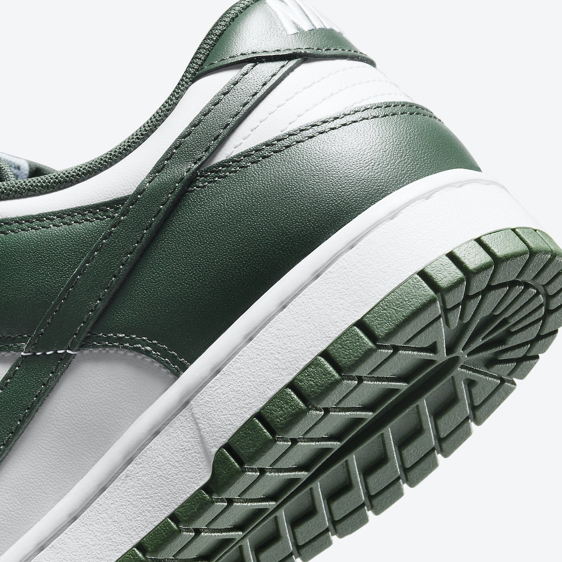 Nike-Dunk-Low-Team-Green-DD1391-101-Release-Date-Price-7