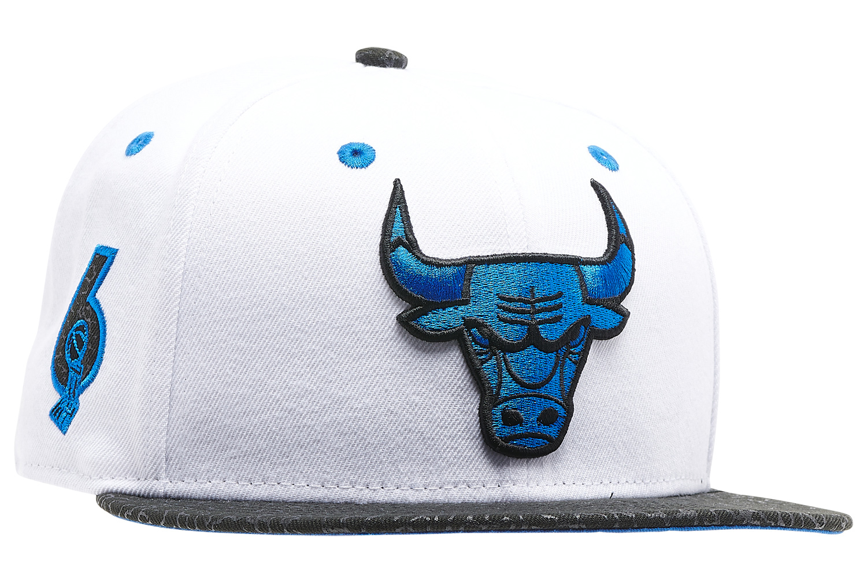 air-jordan-3-racer-blue-bulls-hat-3