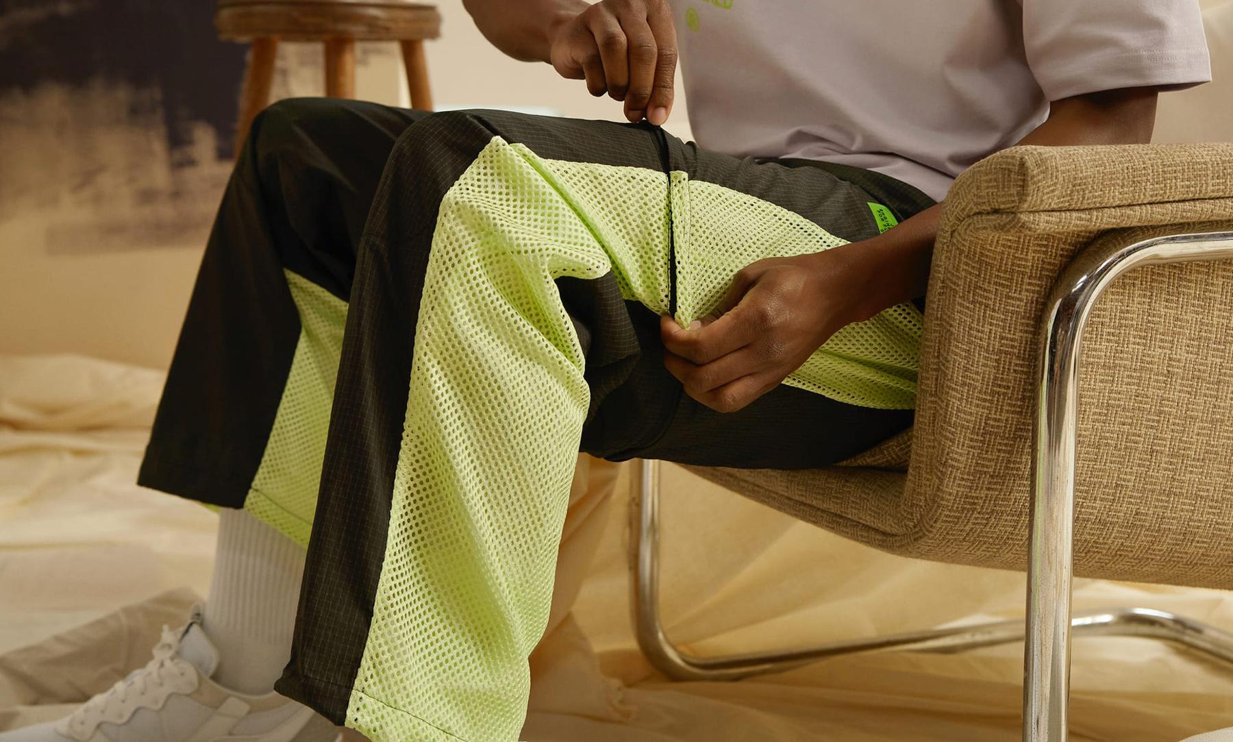 jordan-23-engineered-track-jacket-black-electric-green-pants