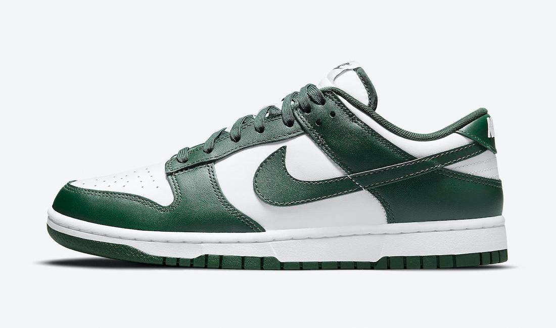 nike-dunk-low-varsity-green-sneaker-clothing-match
