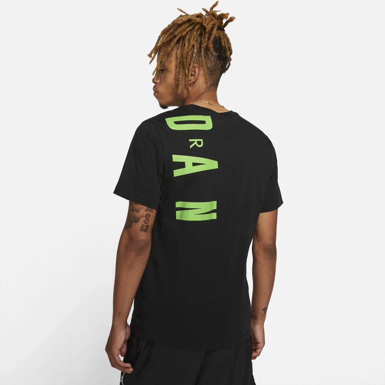 air-jordan-1-mid-heat-reactive-color-change-shirt-match-2