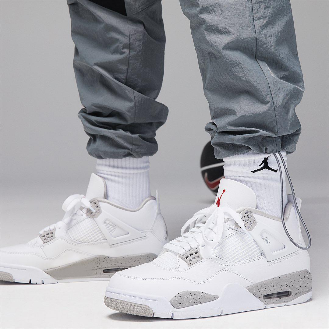 air-jordan-4-white-oreo-on-feet