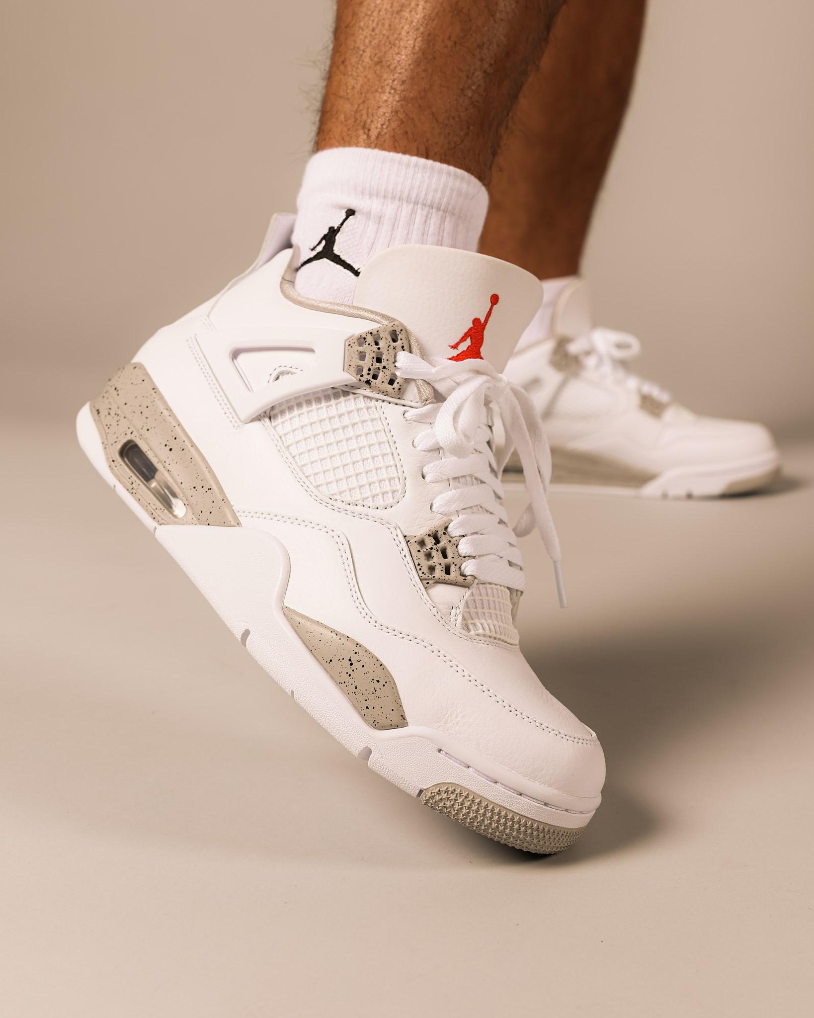 air-jordan-4-white-oreo-tech-white-grey-on-feet