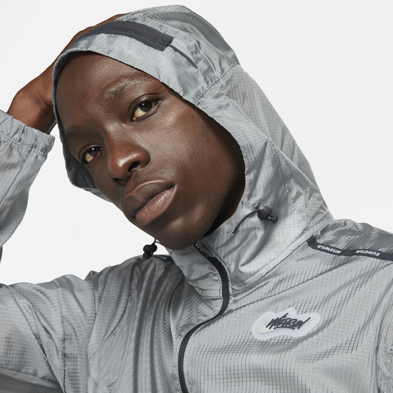 nike-smoke-grey-windrunner-jacket-3