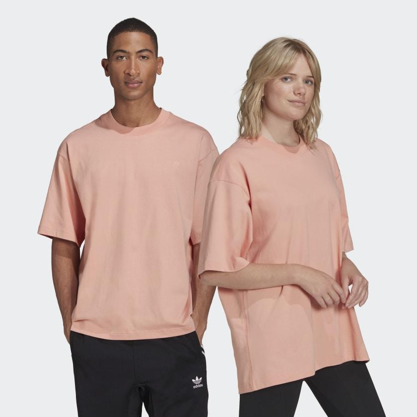 Adicolor_Trefoil_Tee_(Gender_Neutral)_Pink_H11366_21_model
