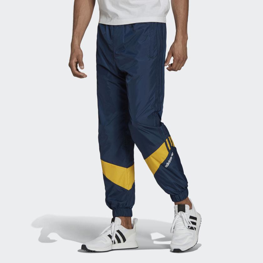 adidas nova retro sweatshirt black and blue shoes