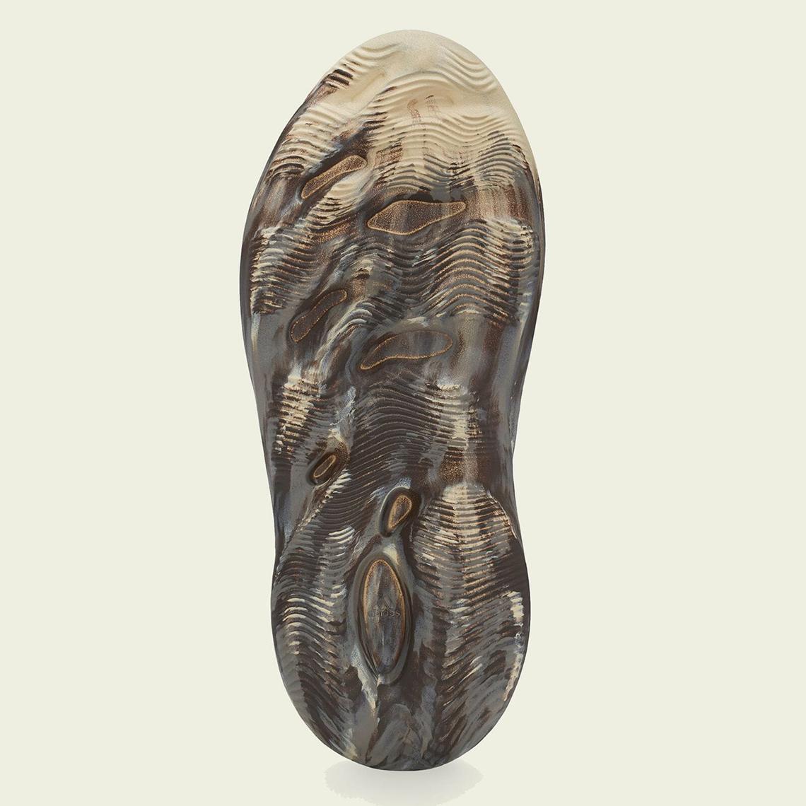 adidas-yeezy-foam-runner-MX-Cream-Clay-GX8774-3