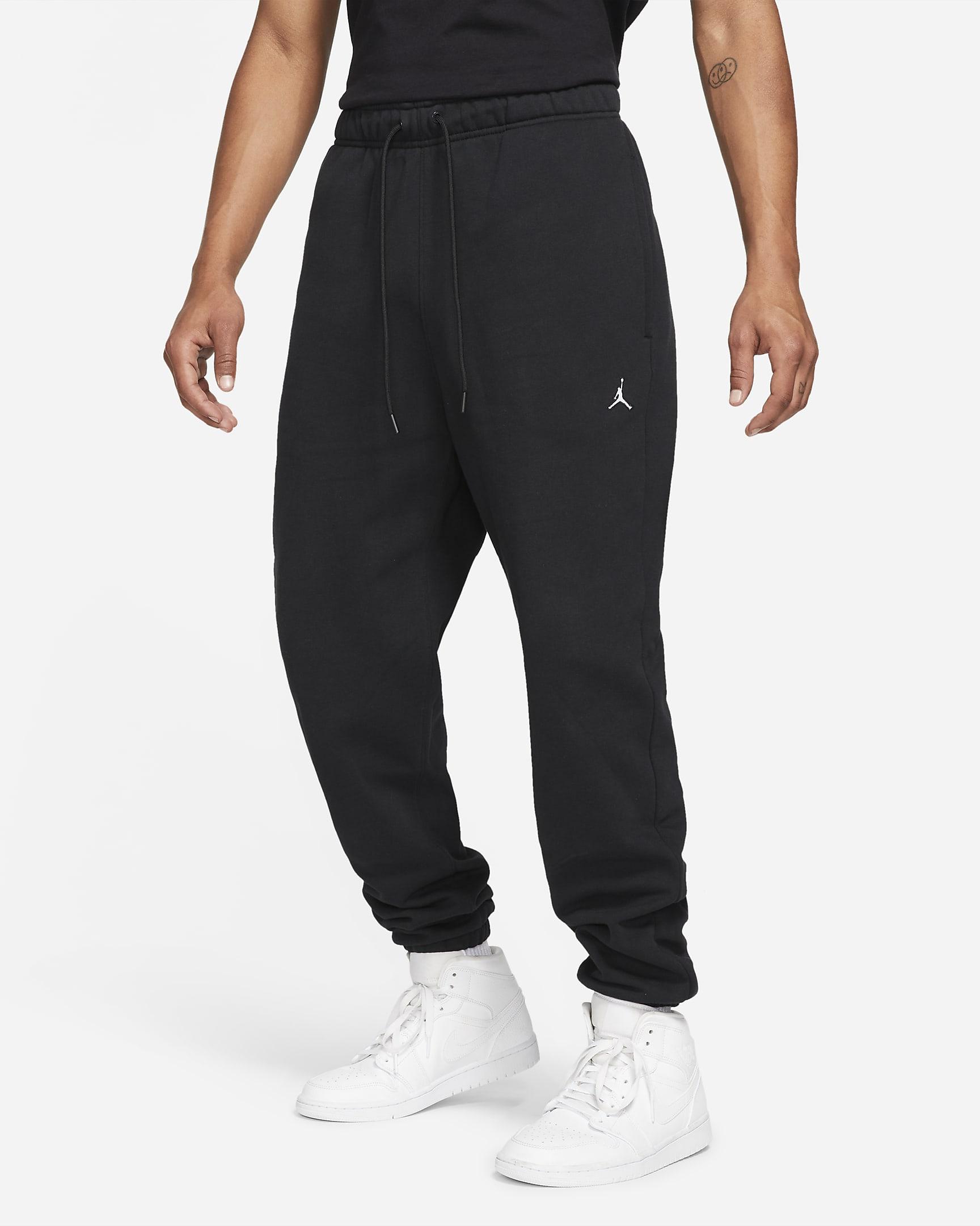 jordan-essentials-mens-fleece-pants-11d5wf.png
