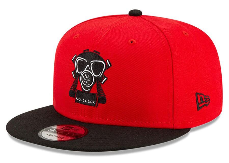 new-era-compound-7-chicago-bulls-gas-mask-hat-1