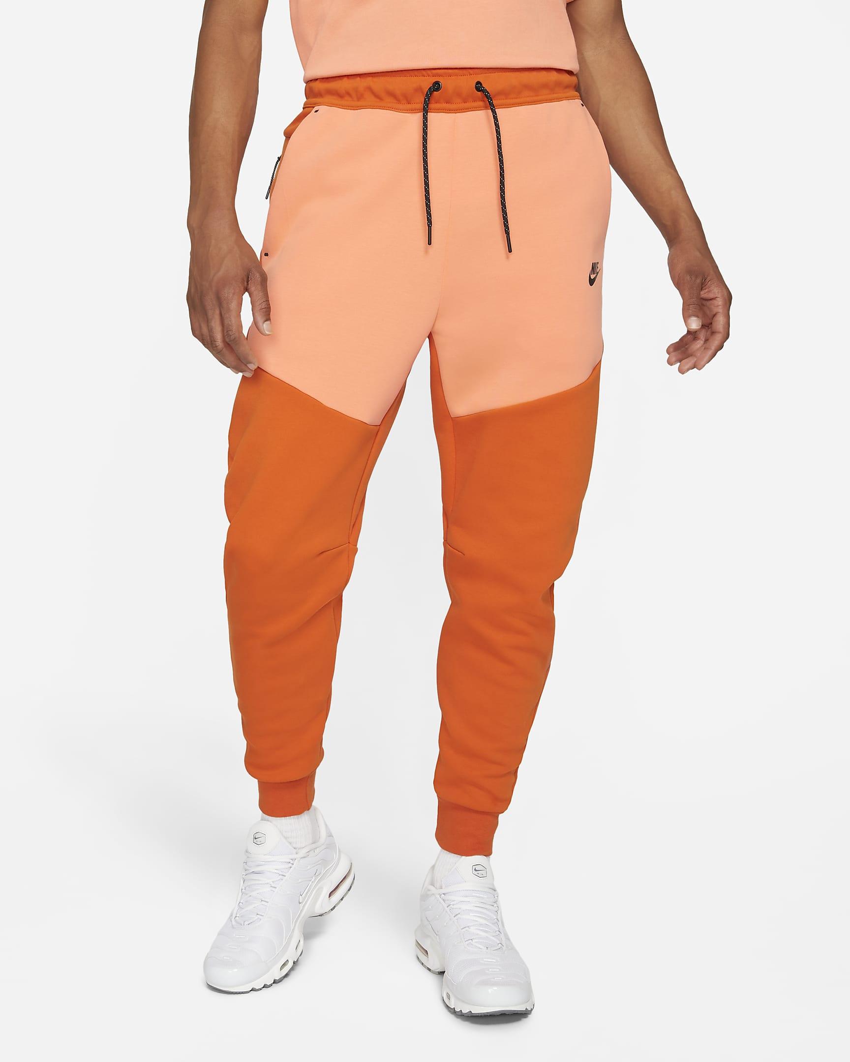 sportswear-tech-fleece-mens-joggers-4x29ft.png