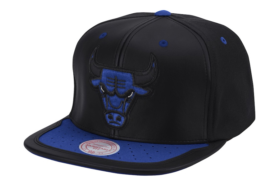 chicago-bulls-mitchell-ness-jordan-sneaker-hook-hat-royal-blue-black-1