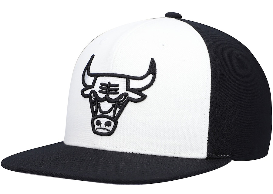 jordan-5-oreo-chicago-bulls-black-white-snapback-cap-mitchell-ness-1