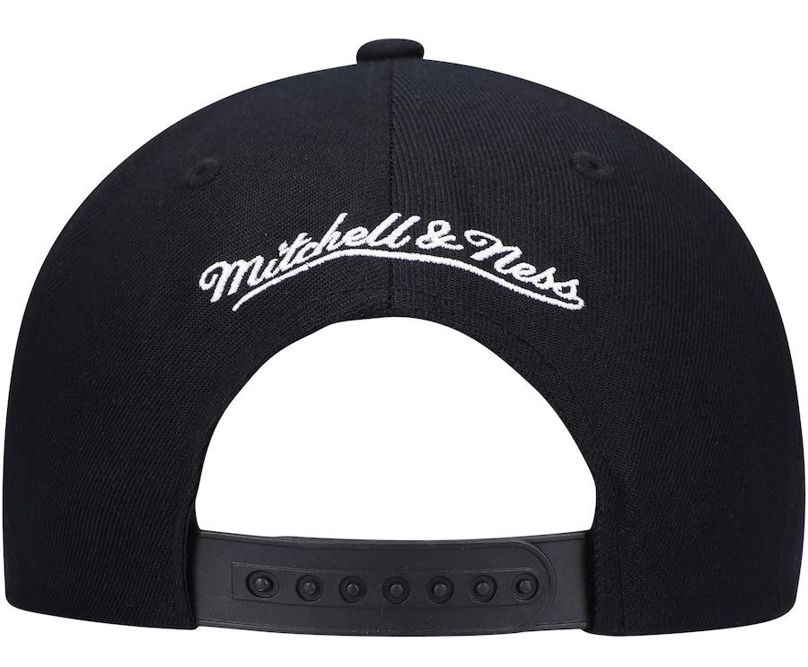 jordan-5-oreo-chicago-bulls-black-white-snapback-cap-mitchell-ness-3