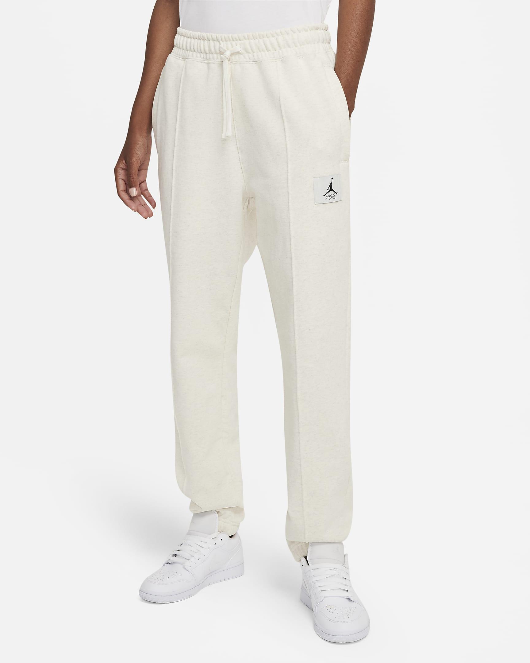 jordan-essentials-womens-fleece-pants-Hf4lN3.png