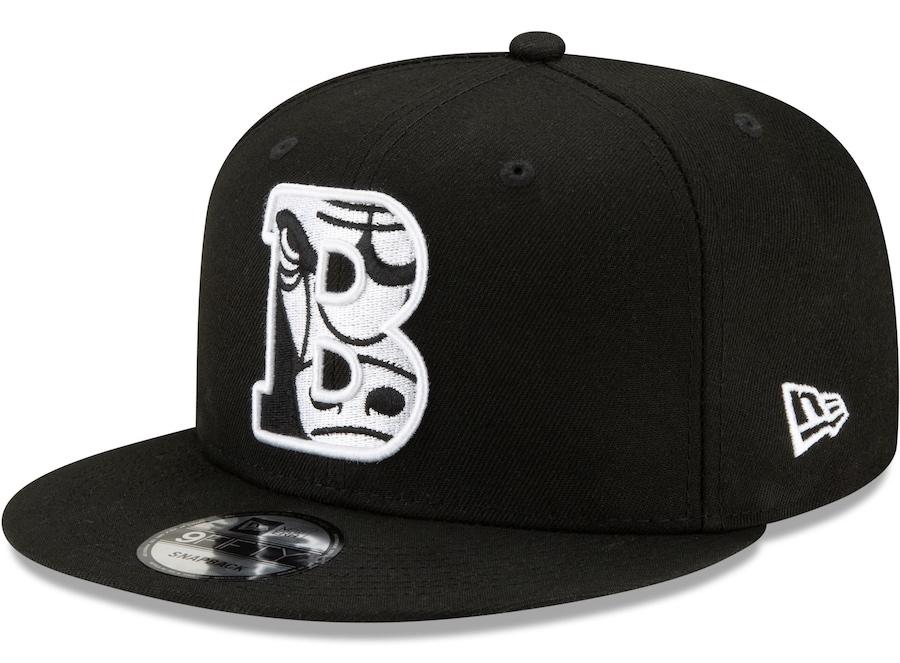 new-era-chicago-bulls-black-white-2021-nba-draft-snapback-hat-1