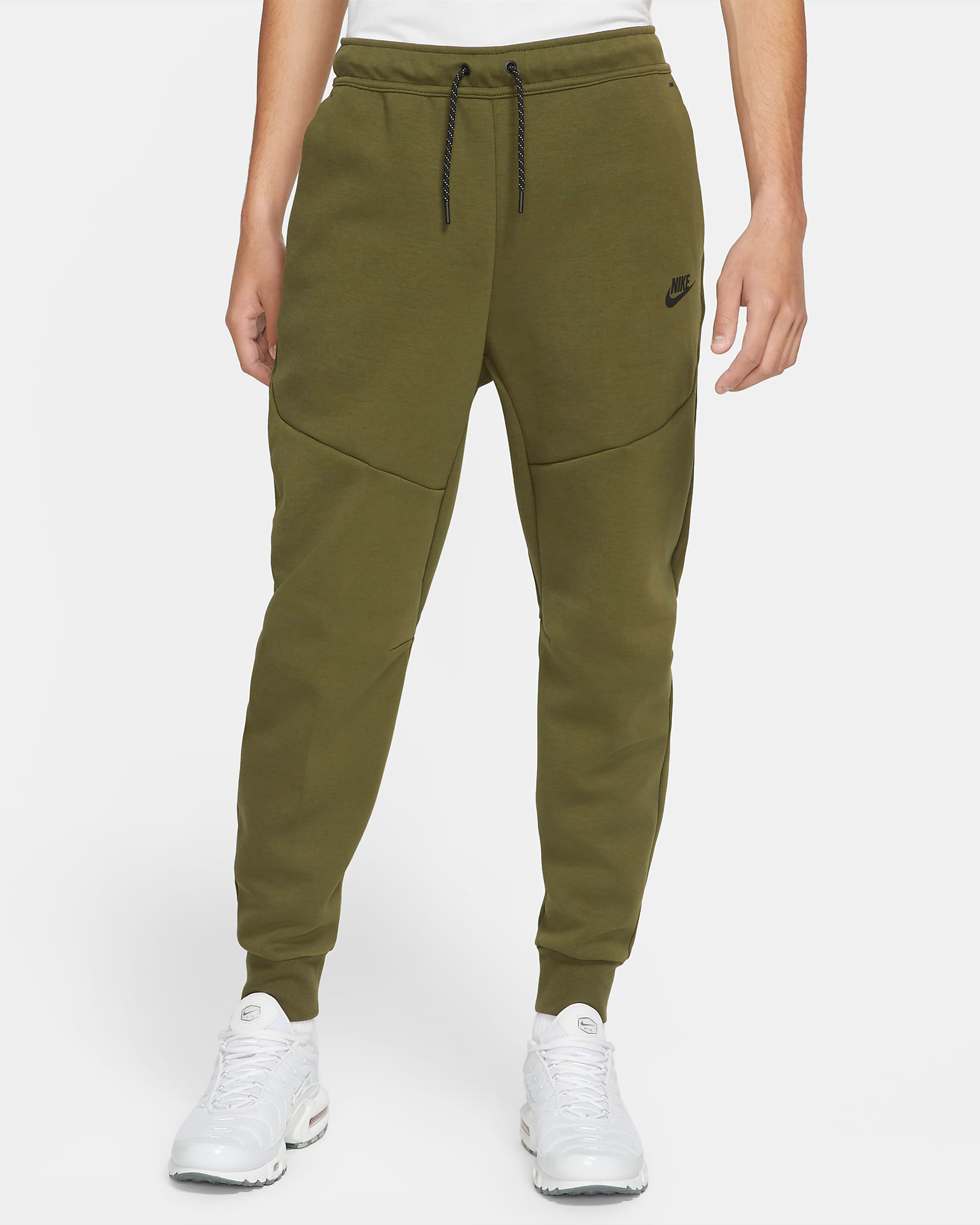 nike-rough-green-tech-fleece-joggers-pants-1