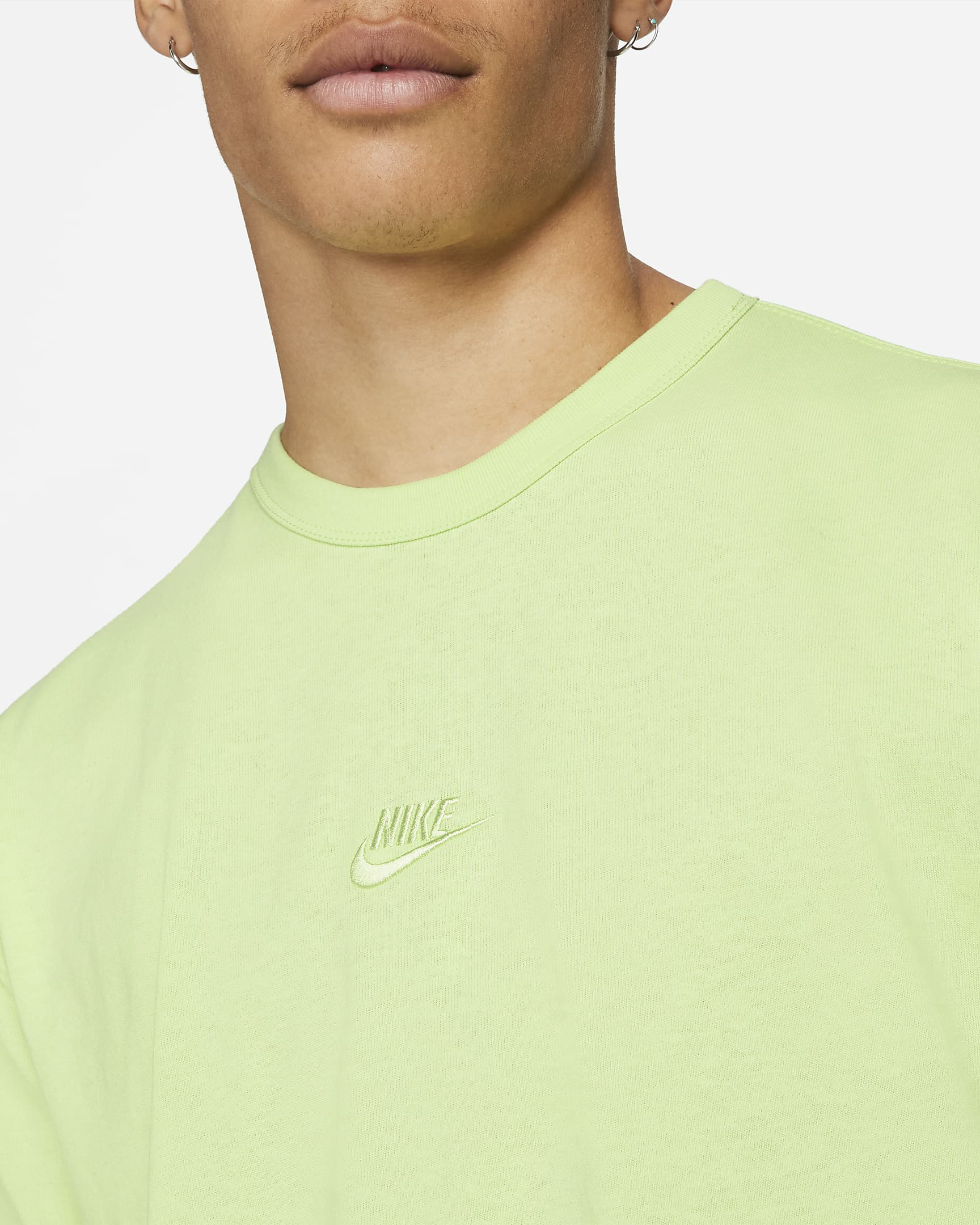 nike-sportswear-premium-essential-mens-t-shirt-SS1mBB-1.png