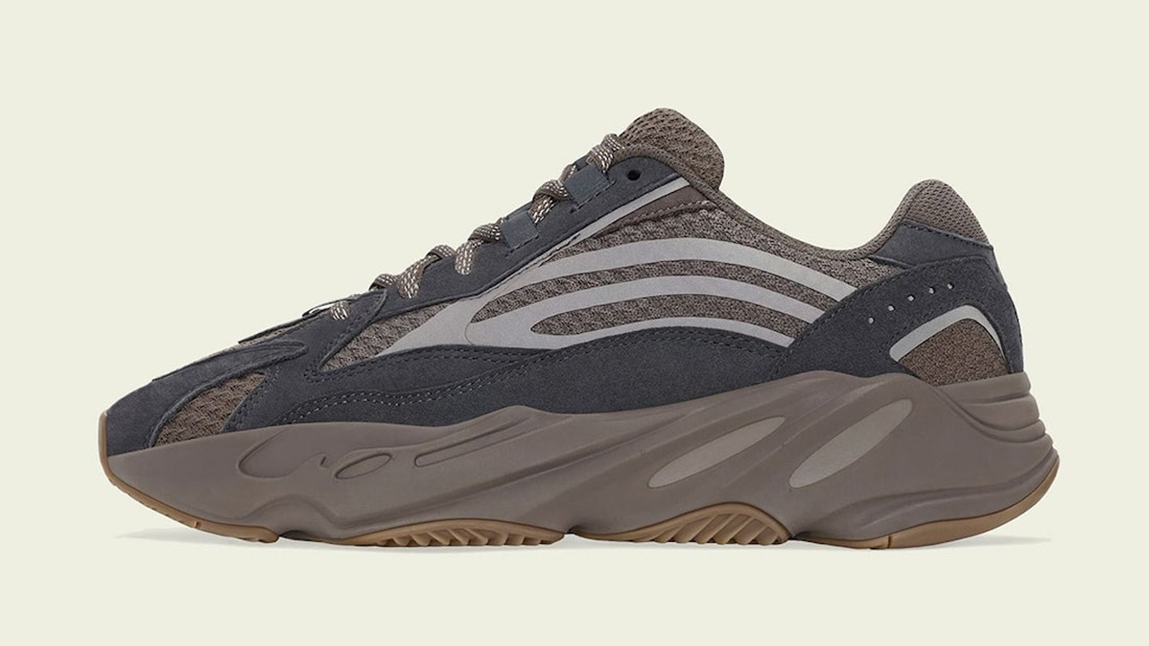 yeezy-boost-700-v2-mauve-sneaker-clothing