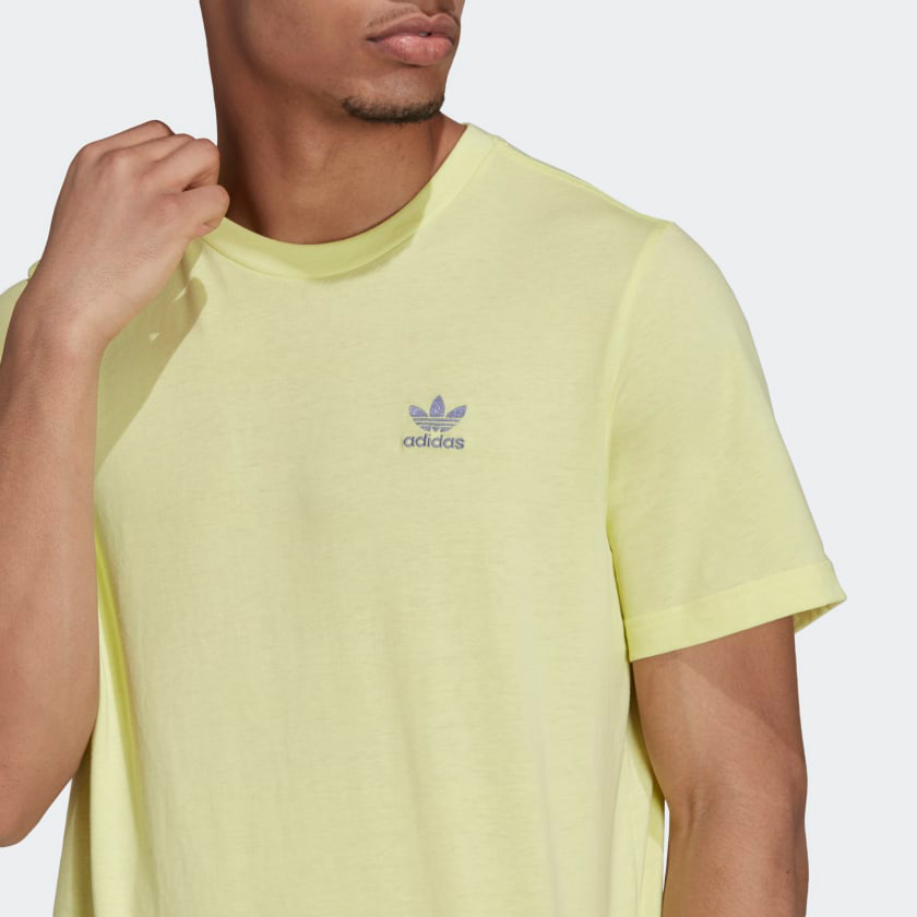 yeezy-slide-green-glow-shirt