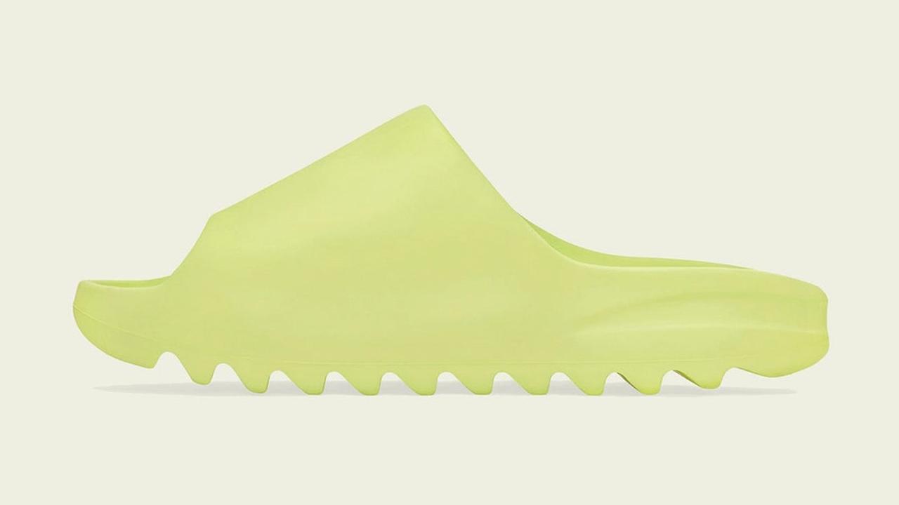 yeezy-slide-green-glow-sneaker-outfits