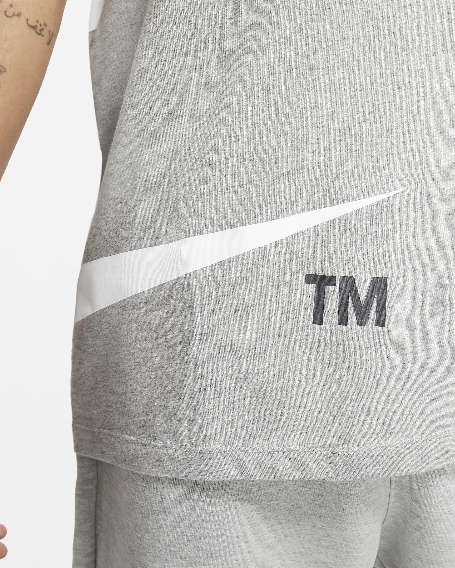 nike-sportswear-mens-t-shirt-zTB7SW-2.png